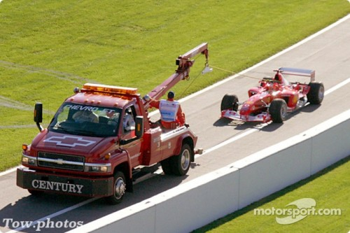 f1 united states gp 2003 michael schumacher back behing the tow truck